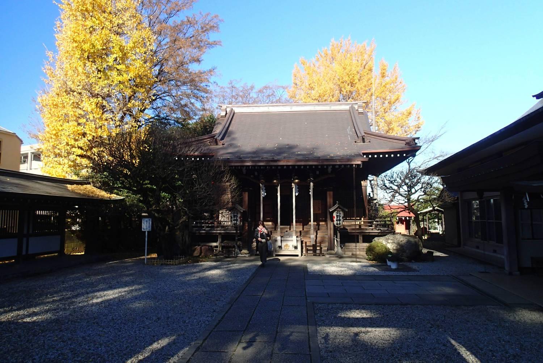神社的晚秋圖片