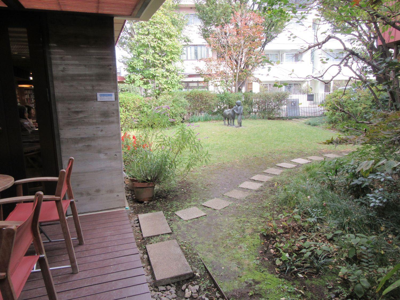 Chihiro美術館的中庭