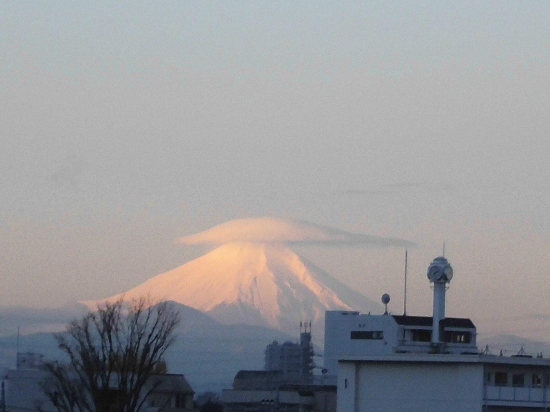 3度斗笠富士图片