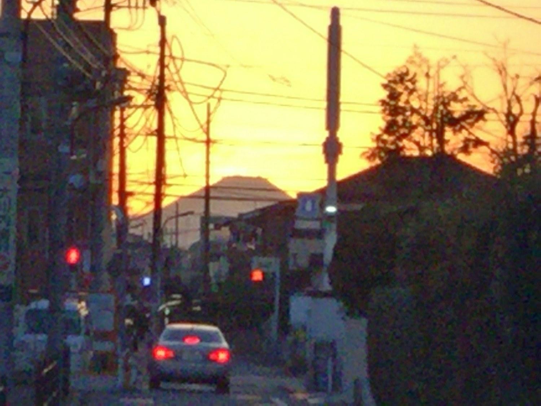 从大地富士山图片