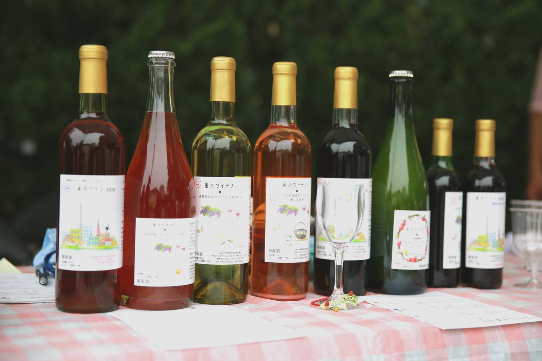 Tokyo winery sampling society!