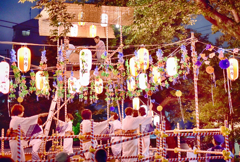 초여름의 여름 축제