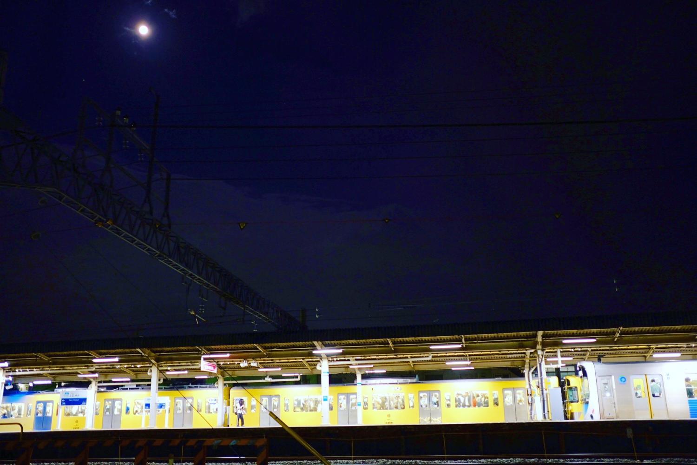 달과 세이부선 이미지
