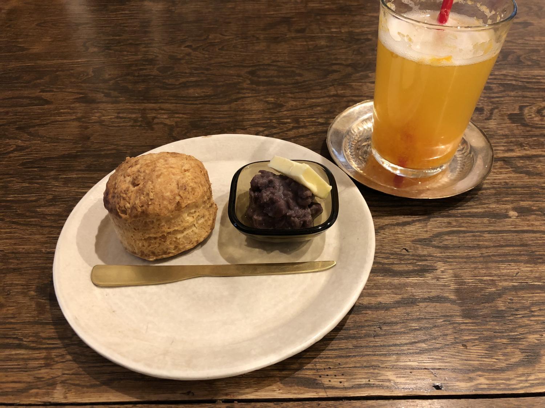 sunoudoroppu栅栏栅栏英式松饼和杏糖浆汁