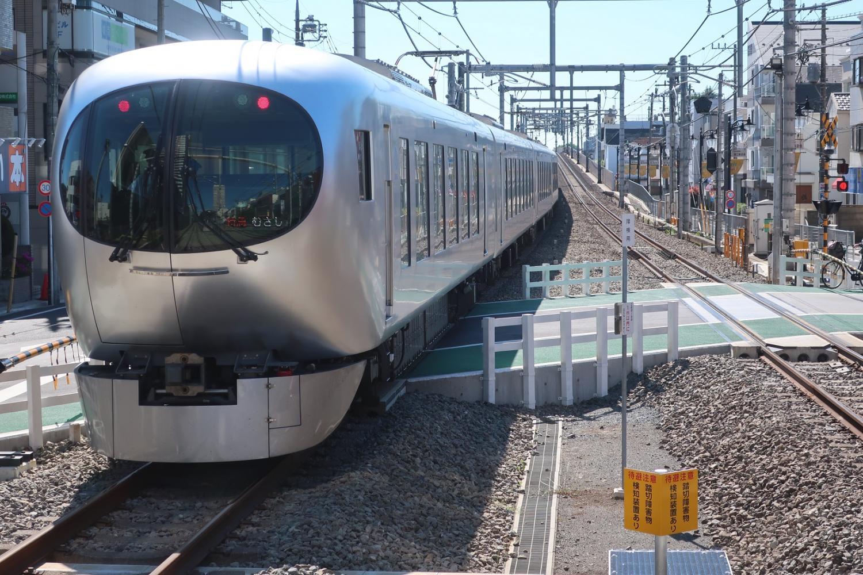 西武铁道新型特急Laview图片