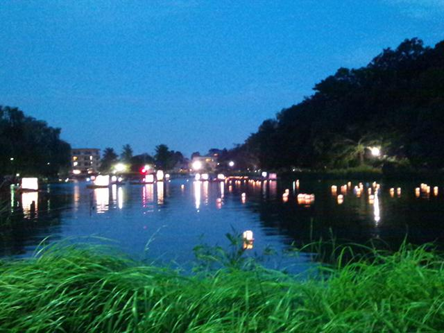 Evening of the 67th enjoying the cool breeze floating of lanterns